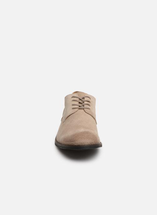 Chaussures à lacets Clarks FLOW PLAIN Beige vue portées chaussures