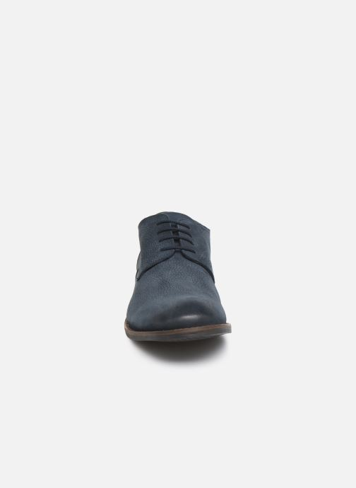 Chaussures à lacets Clarks FLOW PLAIN Bleu vue portées chaussures