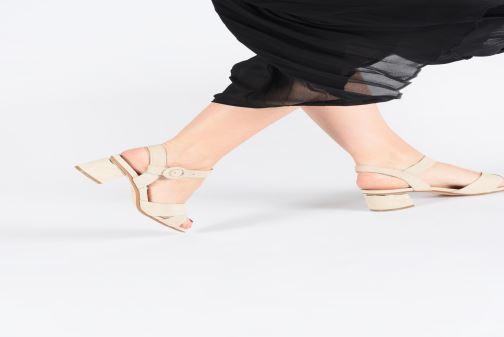Sandales et nu-pieds JB MARTIN MABEL Beige vue bas / vue portée sac