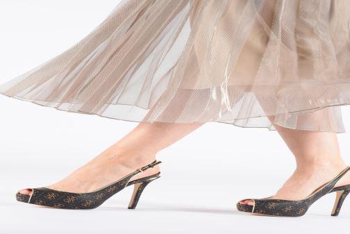 Zapatos de tacón Guess HARTLIA Marrón vista de abajo
