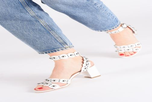 Sandals Guess NIKEY White view from underneath / model view