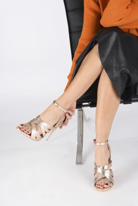 Sandales et nu-pieds Guess TAHSHA Or et bronze vue bas / vue portée sac