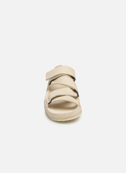 Sandales et nu-pieds Clarks Originals RANGER SPORT. W Blanc vue portées chaussures