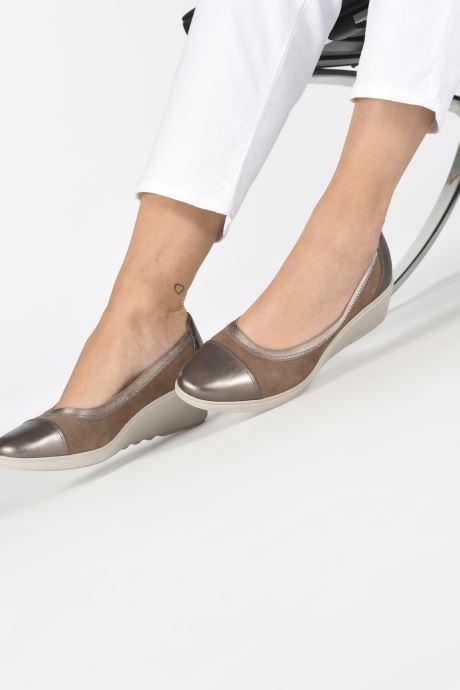 High heels Clarks Unstructured UN TALLARA LIZ Grey view from underneath / model view