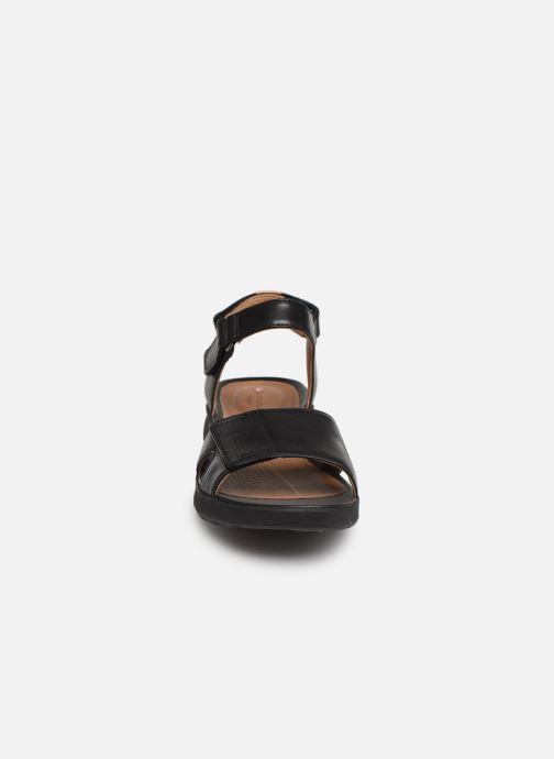 Sandales et nu-pieds Clarks Unstructured UN ADORN CALM Noir vue portées chaussures