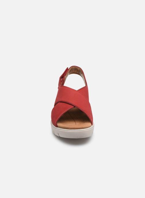 Sandali e scarpe aperte Clarks Unstructured UN KARELY SUN Rosso modello indossato