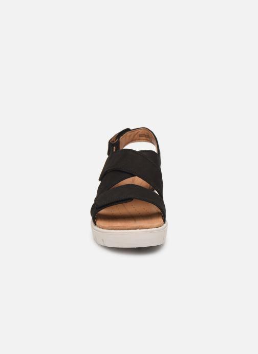 Sandales et nu-pieds Clarks Unstructured UN KARELY DEW Noir vue portées chaussures