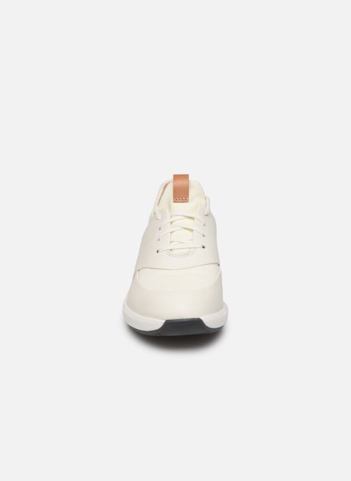 Sneakers Clarks Unstructured UN RIO LACE Wit model