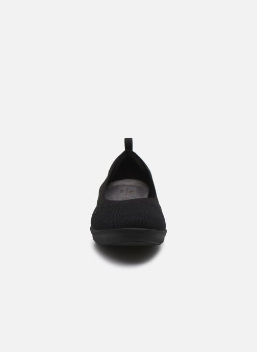 Ballerine Cloudsteppers by Clarks Ayla Paige Nero modello indossato