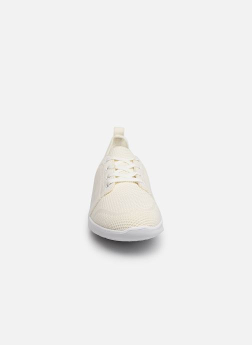 Baskets Cloudsteppers by Clarks Step Allena Sun Blanc vue portées chaussures