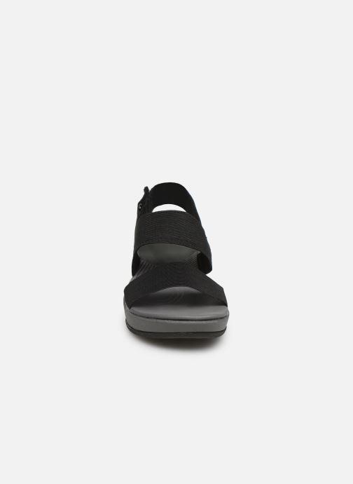 Sandales et nu-pieds Cloudsteppers by Clarks Arla Jacory Noir vue portées chaussures