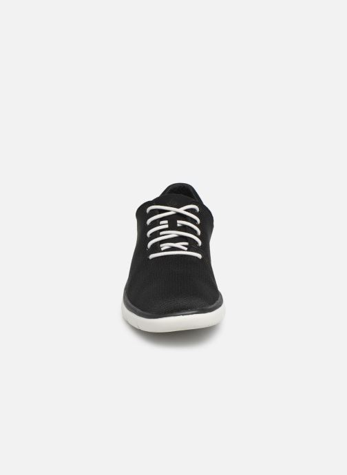 Deportivas Cloudsteppers by Clarks Tunsil Ace Negro vista del modelo