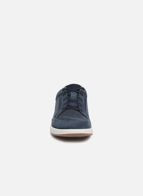 Baskets Clarks Unstructured UN TRAIL FORM Bleu vue portées chaussures