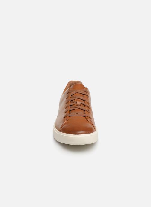 Baskets Clarks Unstructured UN COSTA LACE Marron vue portées chaussures
