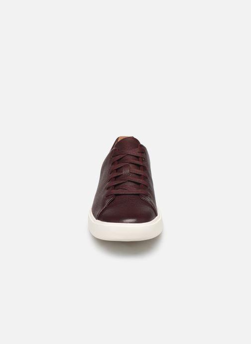 Baskets Clarks Unstructured UN COSTA LACE Bordeaux vue portées chaussures