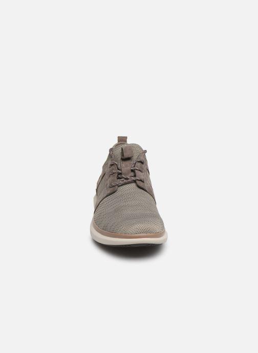 Baskets Clarks Unstructured UN GLOBE LACE Marron vue portées chaussures