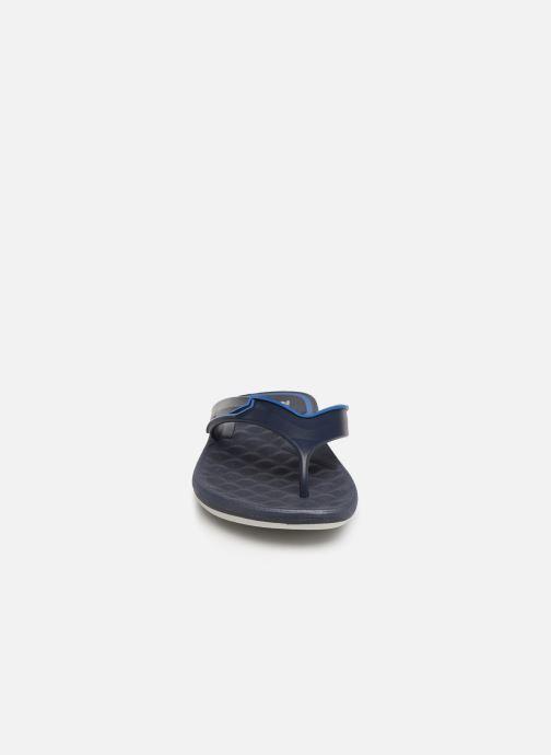 Tongs Rider R Line Plus II Bleu vue portées chaussures