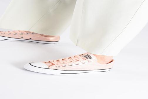 Sneaker Converse Chuck Taylor All Star Twilight Court Ox grau ansicht von unten / tasche getragen