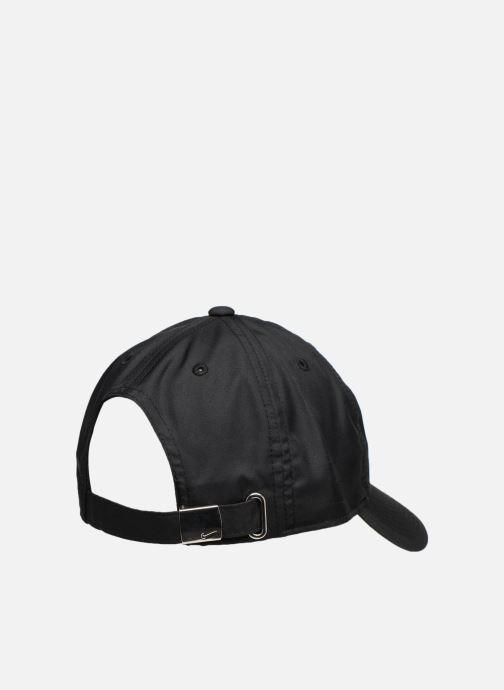 Kappe Nike Nike Metal Swoosh JUNIOR schwarz schuhe getragen