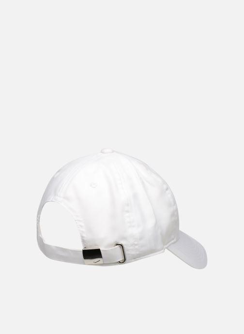 Cappellino Nike Nike Metal Swoosh JUNIOR Bianco modello indossato