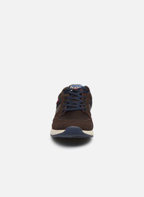 Baskets Levi's Sutter Marron vue portées chaussures