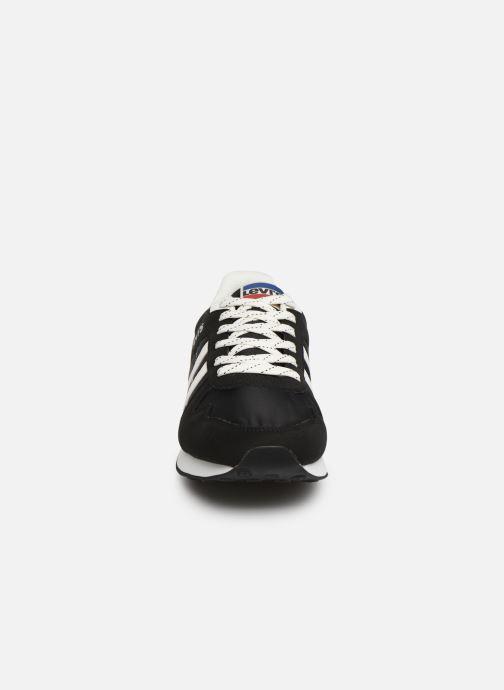 Baskets Levi's Webb Noir vue portées chaussures