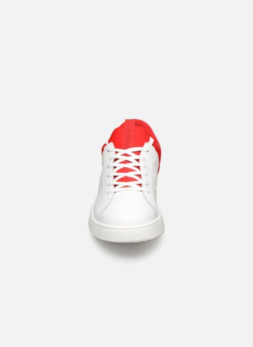Sneakers Levi's Mullet Bianco modello indossato