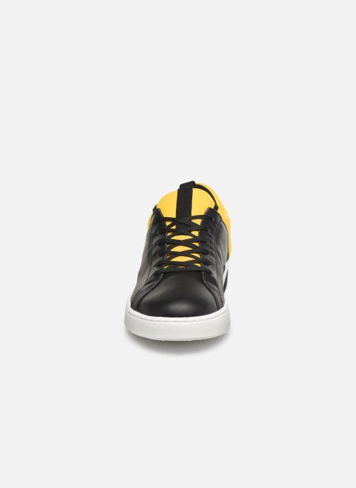 Baskets Levi's Mullet Noir vue portées chaussures