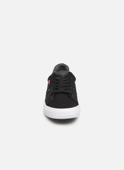 Baskets Levi's Skinner Noir vue portées chaussures