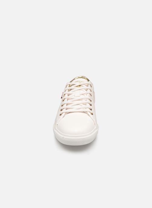 Baskets Levi's Woods 2 W Blanc vue portées chaussures