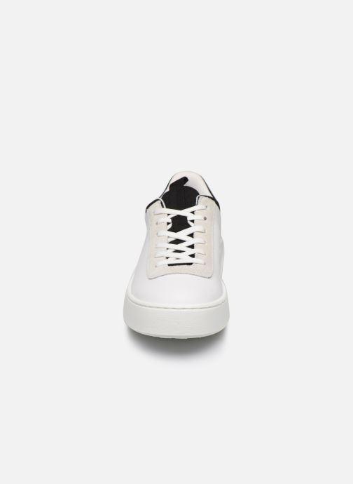Baskets Levi's Mullet S Blanc vue portées chaussures