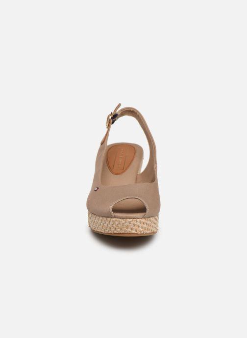Sandales et nu-pieds Tommy Hilfiger ICONIC ELBA BASIC SLING BACK Beige vue portées chaussures