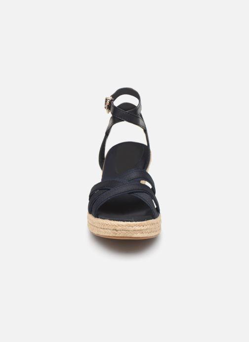 Sandales et nu-pieds Tommy Hilfiger ICONIC ELBA CORPORATE RIBBON Bleu vue portées chaussures