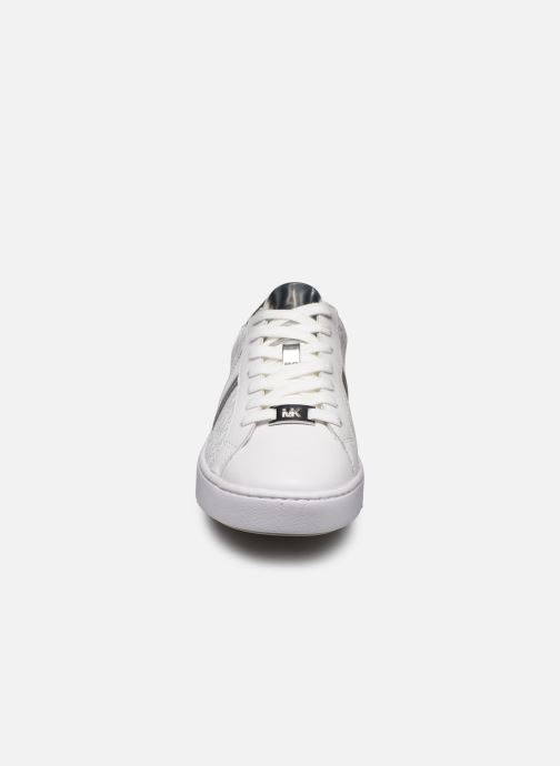 Sneakers Michael Michael Kors Irving Stripe Lace Up Bianco modello indossato