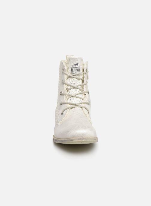 Bottines et boots Mustang shoes Ewenn Blanc vue portées chaussures