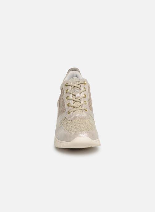 Sneakers Mustang shoes Aelia Oro e bronzo modello indossato