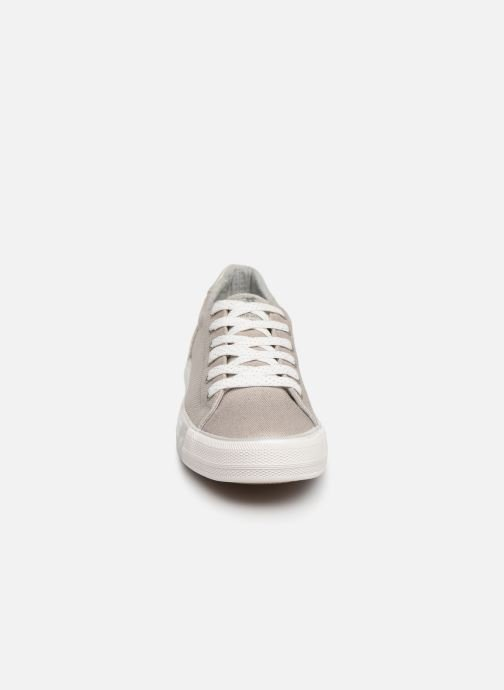 Baskets Mustang shoes Stacy Gris vue portées chaussures