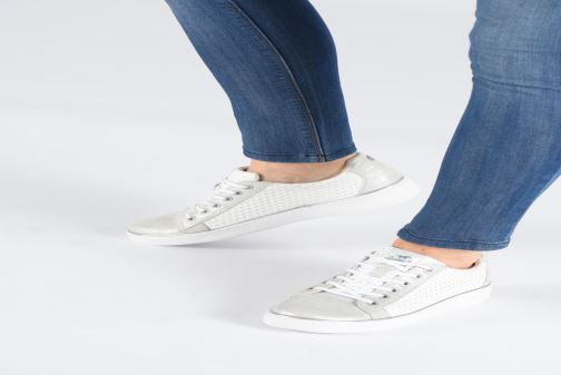 Baskets Mustang shoes Nayla Beige vue bas / vue portée sac