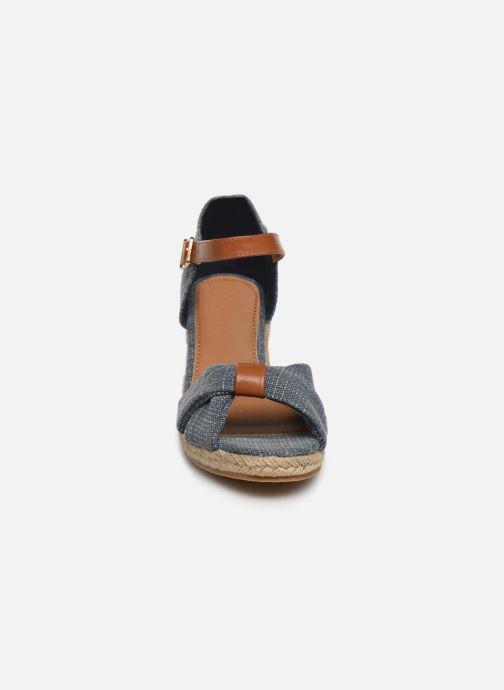 Sandales et nu-pieds Mustang shoes Nahia Bleu vue portées chaussures