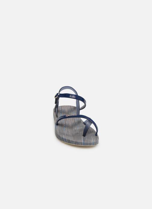 Sandalias Ipanema Fashion Sand VI Azul vista del modelo