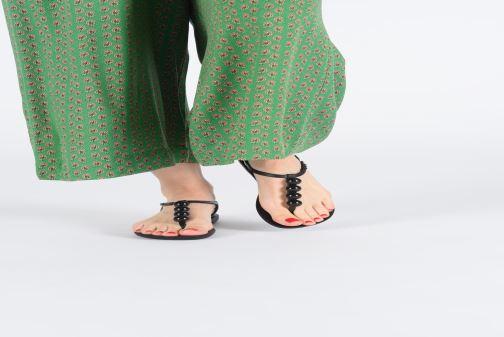 Sandales et nu-pieds Ipanema Charm VI Sandal Noir vue bas / vue portée sac