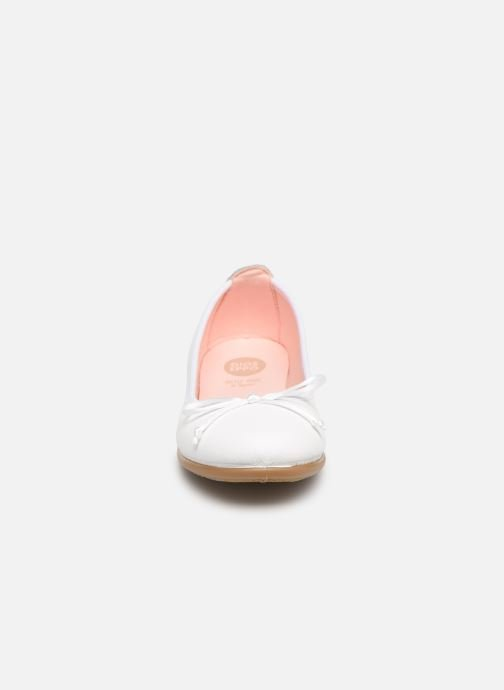 Ballerines Gioseppo PENZA Blanc vue portées chaussures