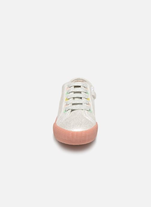 Sneaker Gioseppo FANO silber schuhe getragen