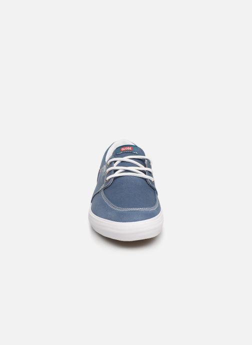 Baskets Globe Attic Bleu vue portées chaussures