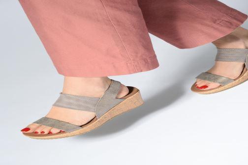 Sandales et nu-pieds Skechers Beverlee Moon Glider Gris vue bas / vue portée sac