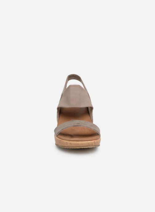 Sandales et nu-pieds Skechers Beverlee Moon Glider Gris vue portées chaussures