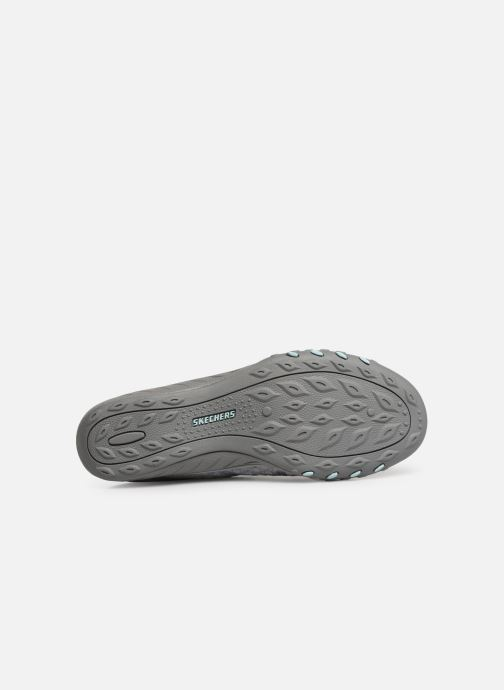 Baskets Skechers Breath-Easy Fortunekni Gris vue haut