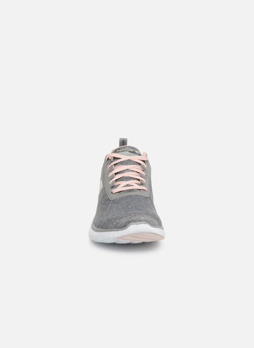 Sportschuhe Skechers Flex Appeal 3.0 Insiders grau schuhe getragen