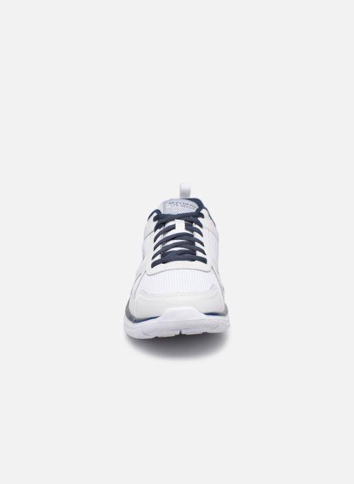 Sneaker Skechers Track Scloric weiß schuhe getragen