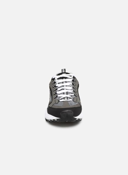 Baskets Skechers Stamina Gris vue portées chaussures
